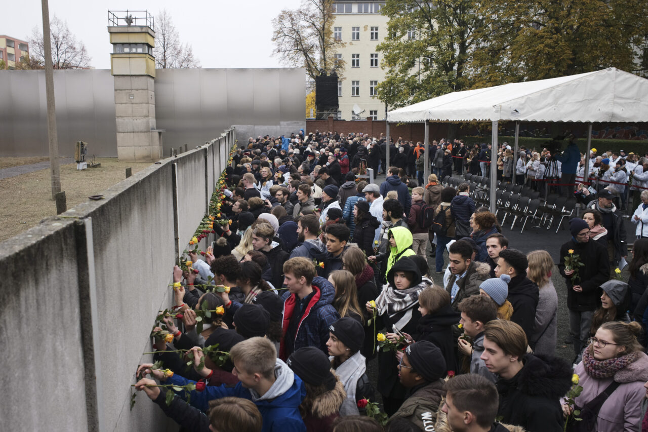 What Did the Sudden Fall of the Berlin Wall Teach us After All?